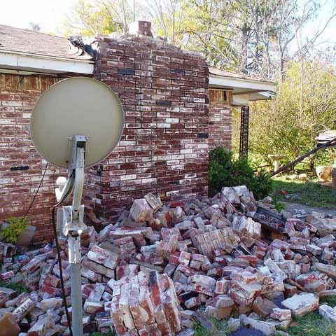 Damage from an Okla. Quake